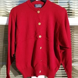 Burberrys Cardigan with gold buttons